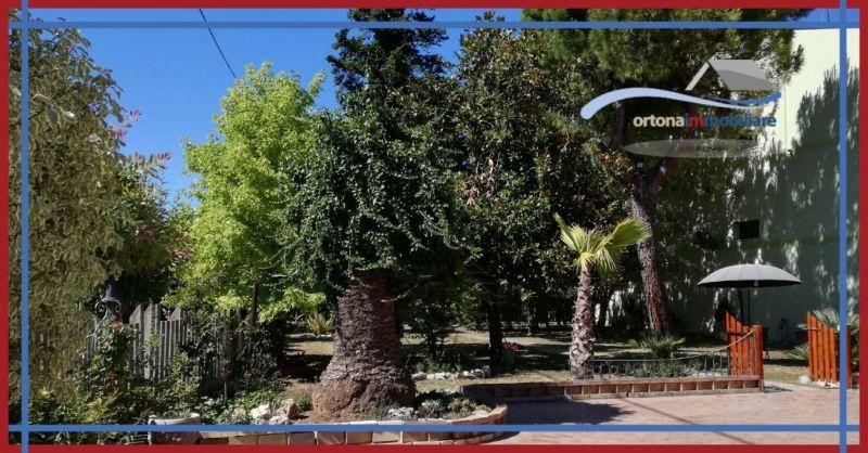 ORTONAIMMOBILIARE - Offerta vendita splendida villa ad Ortona località Villa Grande ideale B&B